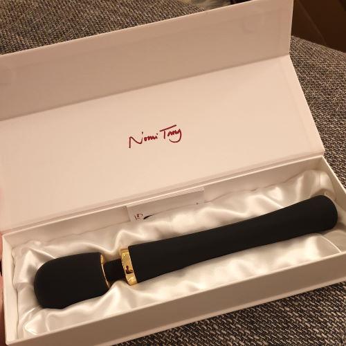 Edle Geschenkbox von Nomi Tang